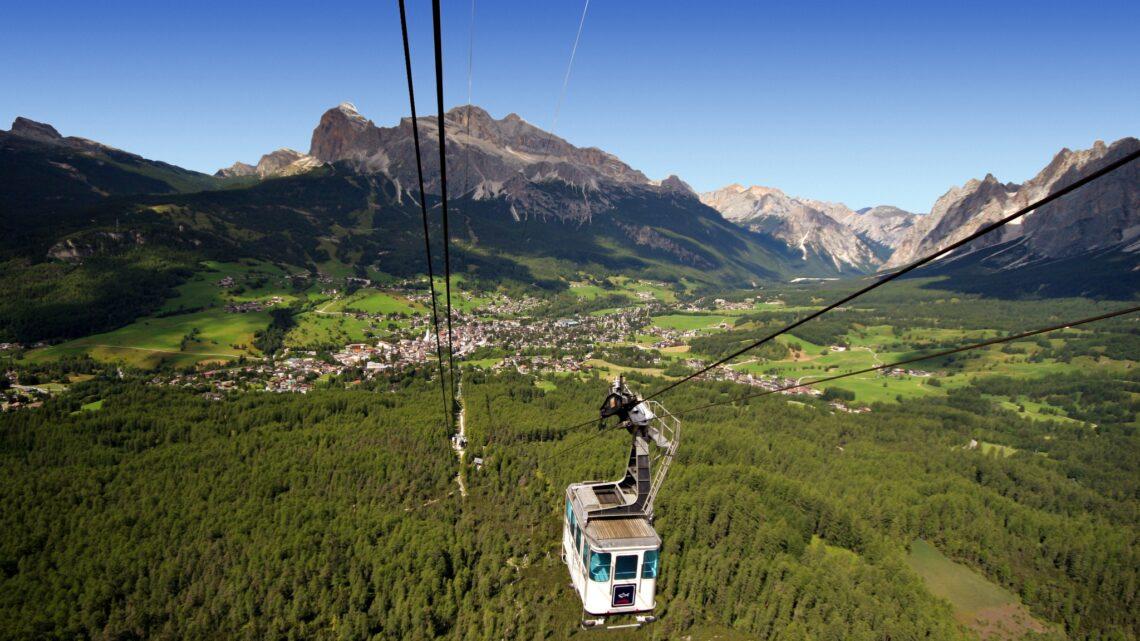 """La storica funivia Faloria si rinnova e porta in quota  i turisti di Cortina d'Ampezzo in modo """"green"""""""