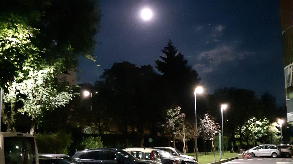 Anche a Milano la Luna può essere un luogo speciale
